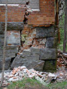 caractéristiques fissures façade