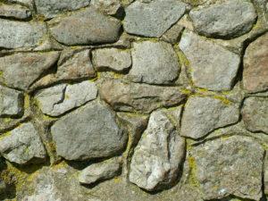 présence rochers risque tassements différentiels